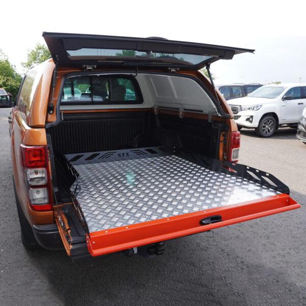 Universal-Pickup-Sliding-Tray